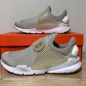 Nike Sock Dart • 9